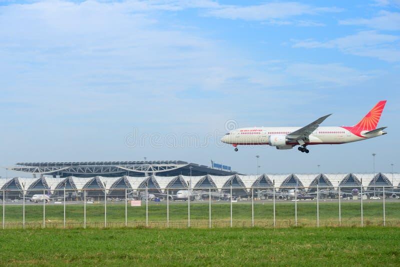 Boeing 787-8 Dreamliner VT-ANI da aterrissagem de Air India no suvarnabh fotografia de stock