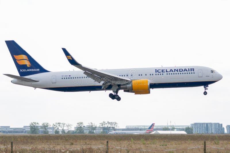 Boeing 767-319ER - 29388, actuado por el aterrizaje de Icelandair fotos de archivo libres de regalías