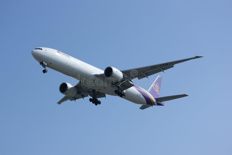 Boeing 777-300ER hs-TKM van Thaiairway royalty-vrije stock foto