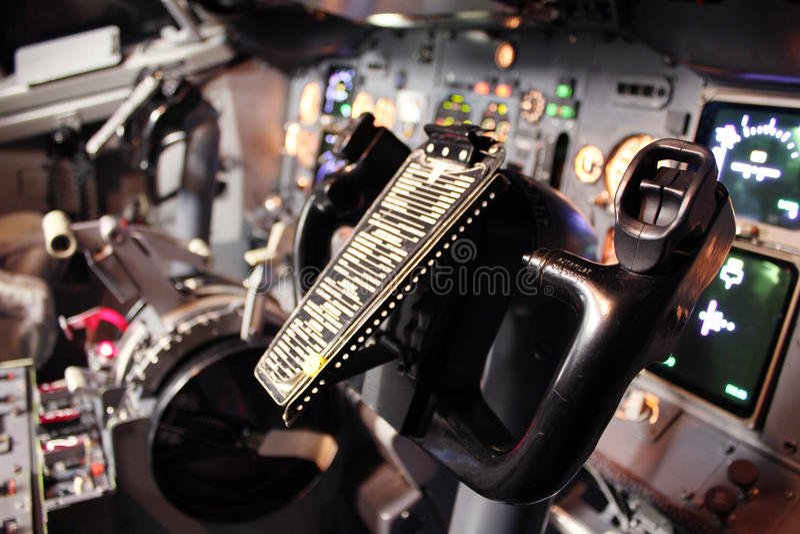 Boeing flight deck. Boeing 737 clasic flight deck royalty free stock photos