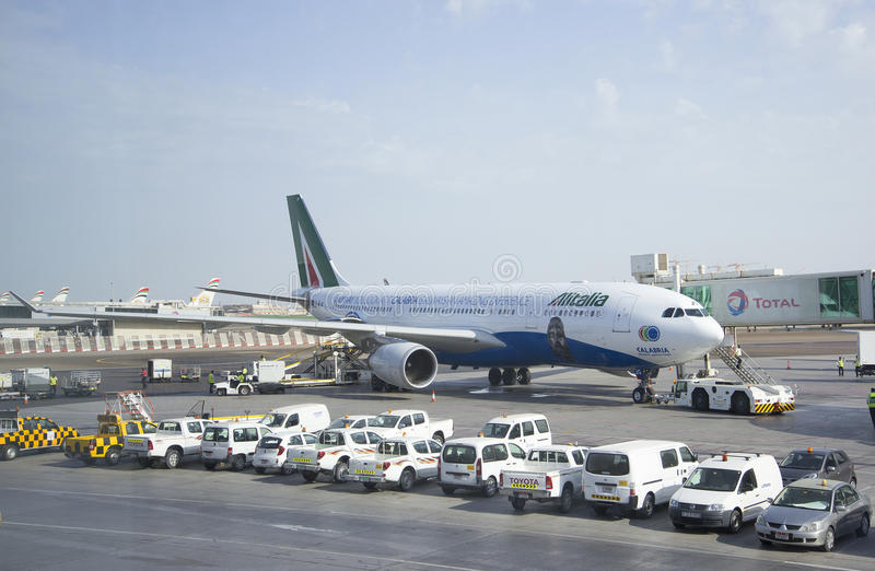 Boeing 737 folgender Gen Jet Airways in Abu Dhabi stockfoto