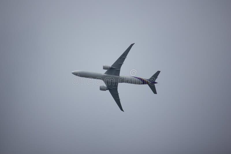 Boeing 777-300 HS-TKO TG103 fotografie stock libere da diritti