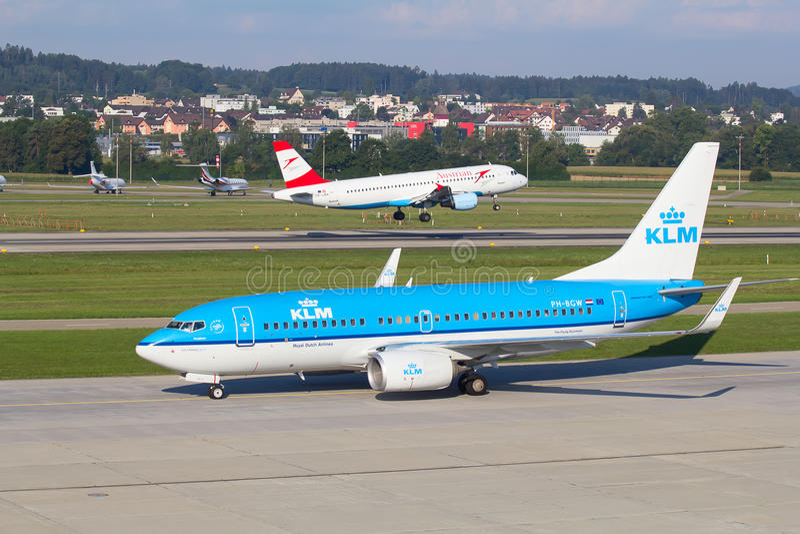 Boeing-737 KLM royaltyfri bild