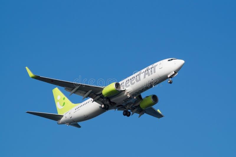 Boeing 737-800. Landing to the Haneda International Airport in Tokyo, Japan stock images