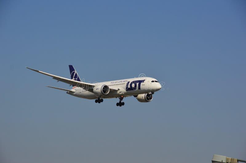 Boeing 787-8 udziału linii lotniczych samolot obrazy stock