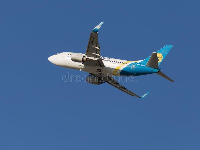 Boeing 737, Ukraine International Airlines lata obraz stock