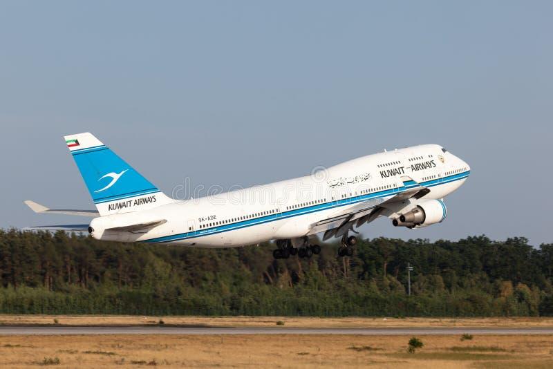 Boeing 747-400 van Kuwait Airways stock foto
