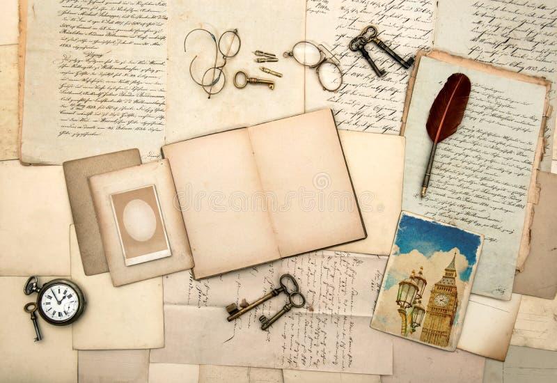 Boek, beeld van Londen, uitstekende toebehoren royalty-vrije stock afbeelding