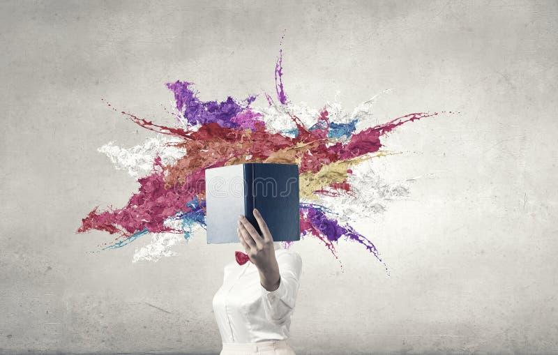 Boek dat - omhoog uw mening blaast stock foto's