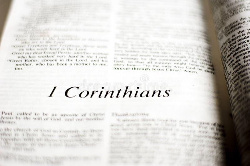 Boek van 1 Corinthians stock fotografie