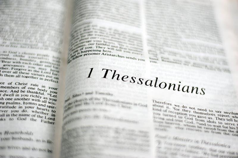 Boek van 1 Thessalonians stock fotografie
