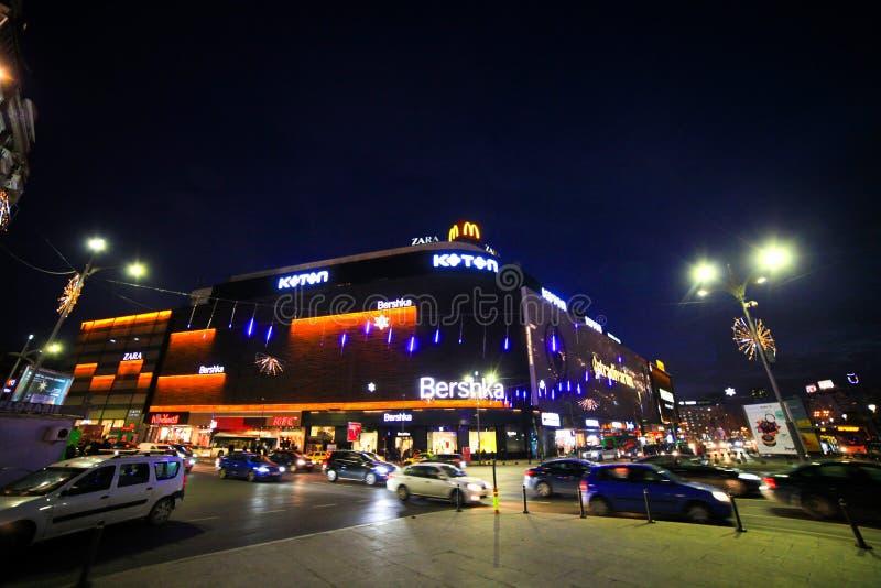 Boekarest de stad in stock foto