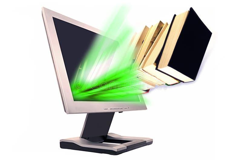 Boeken en monitor stock foto's