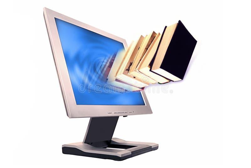 Boeken en monitor stock afbeeldingen