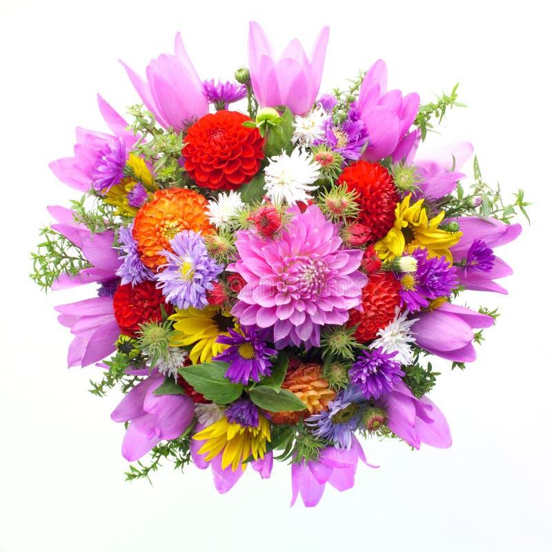 Boeket van bloemen hoogste die mening op witte achtergrond wordt geïsoleerd stock foto