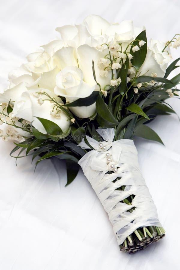 Boeket van bruiden, nam, bloemen toe stock foto