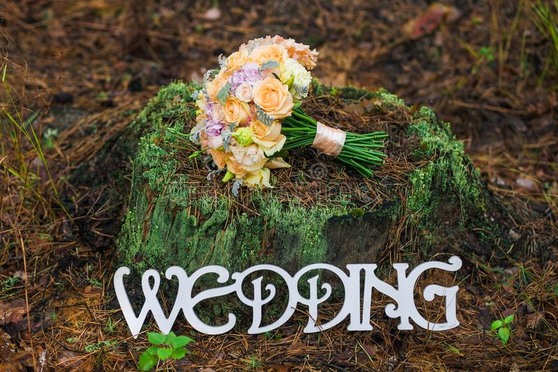 Boeket van bruids huwelijksbloemen royalty-vrije stock afbeelding
