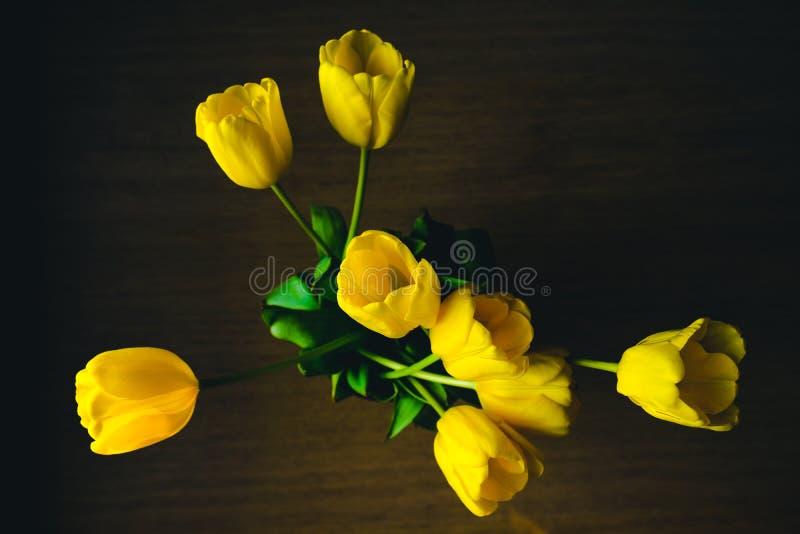 Boeket van gele tulpen royalty-vrije stock afbeeldingen