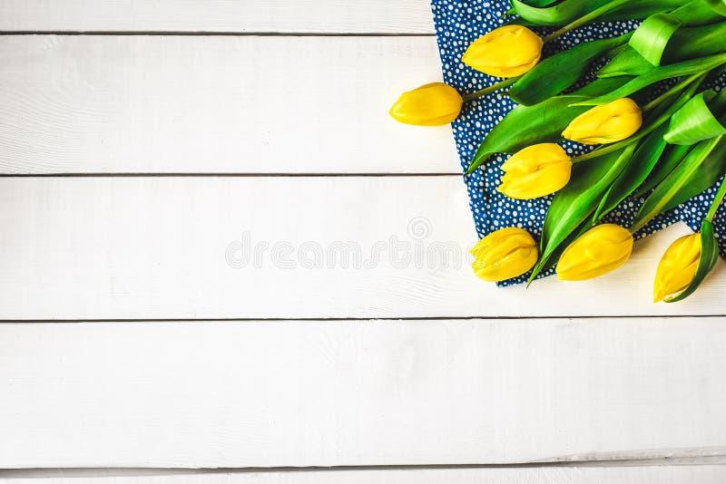 Boeket van gele tulpen stock foto's