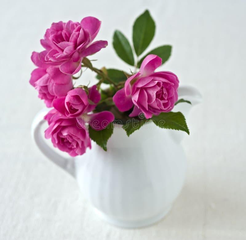 Boeket van kleine rozen royalty-vrije stock foto's