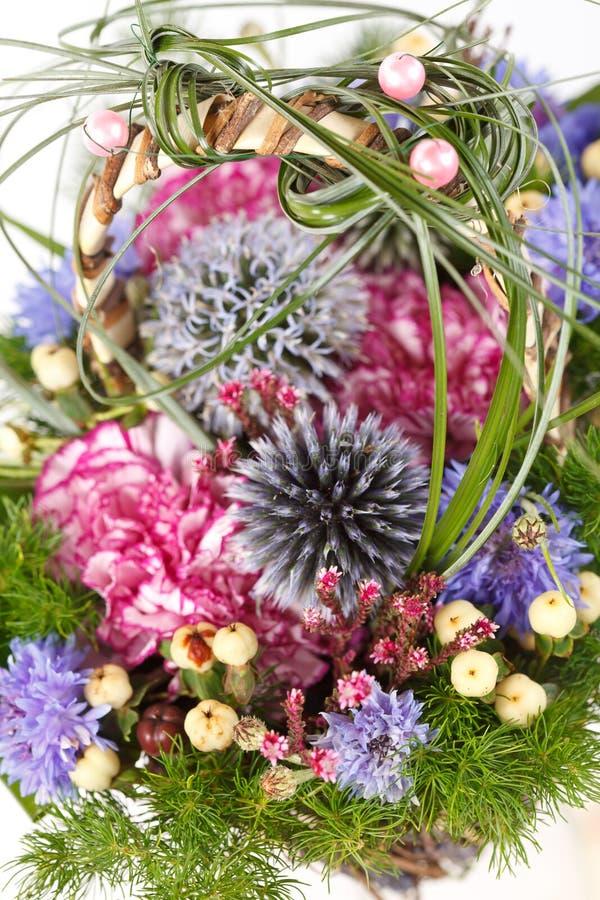 Boeket van kleurrijke bloemen stock afbeeldingen