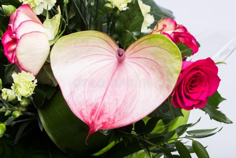 Boeket van verse rode rozen en anthurium royalty-vrije stock foto