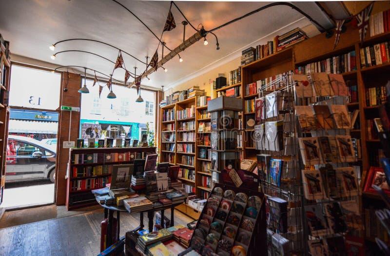 Boekhandel in het notting van heuvel stock foto