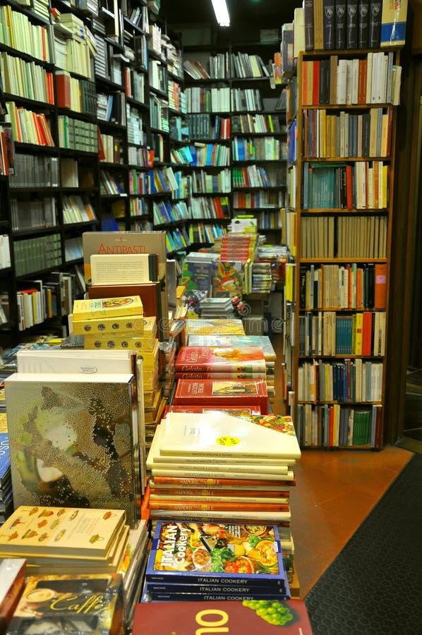Boekhandel in Italië stock foto's