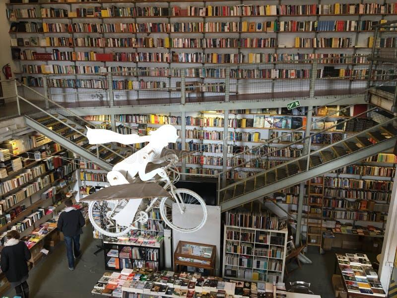 Boekhandel in Lissabon stock afbeelding