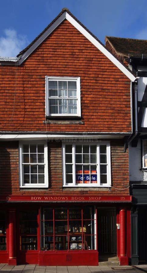 Boekhandel op de hoofdstraat van Oost- lewes Sussex stock afbeelding