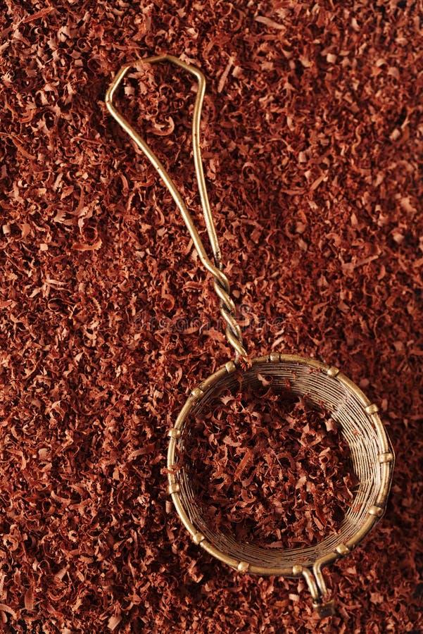 Boete Geraspte Chocolade 100  Dark In Zeef Stock Foto's