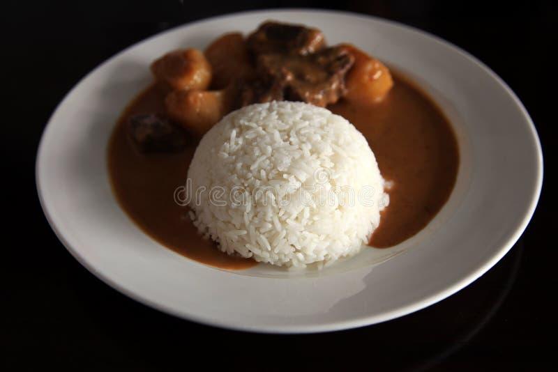 Boeuf de cari avec du riz image libre de droits