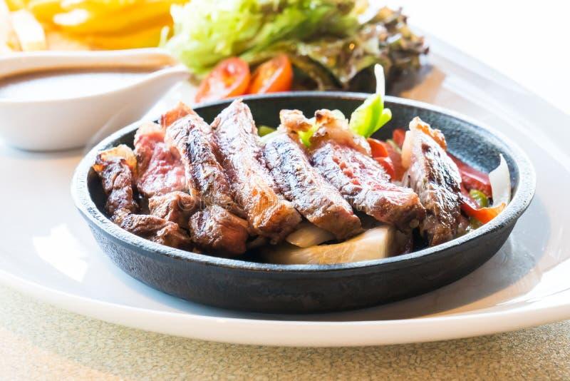 Download Boeuf et viande de bifteck image stock. Image du cuisine - 87705849