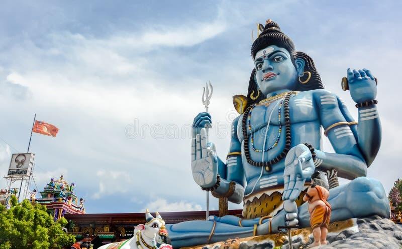 Boga Shiva statua przy Hinduską świątynią w Trincomalee, Sri Lanka obrazy stock
