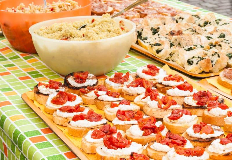 Bogaty śniadaniowy bufet obrazy royalty free