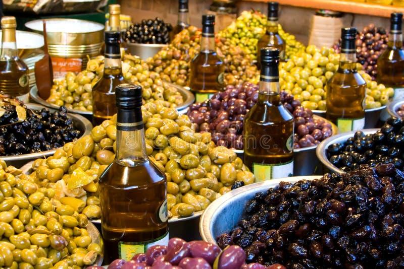 bogatych rynku oliwek zdjęcie stock