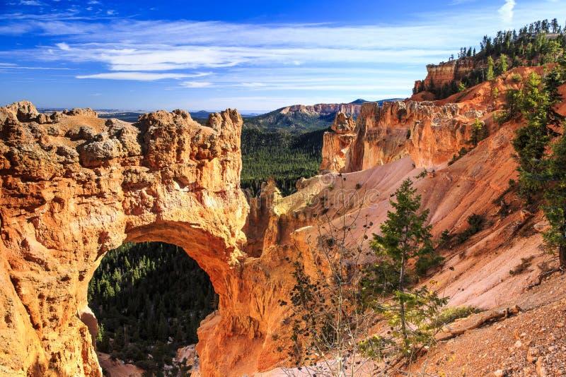 Bogen bei Bryce Canyon National Park lizenzfreie stockfotos