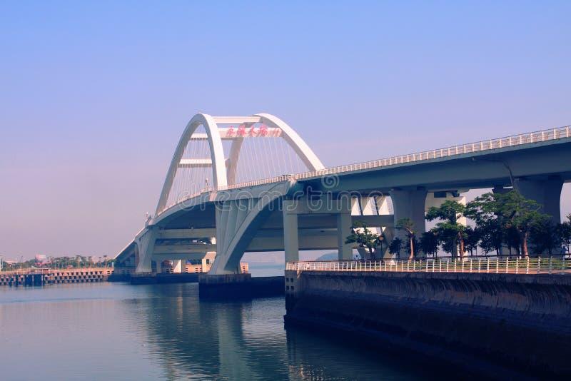 Bogen-Brücke lizenzfreies stockbild
