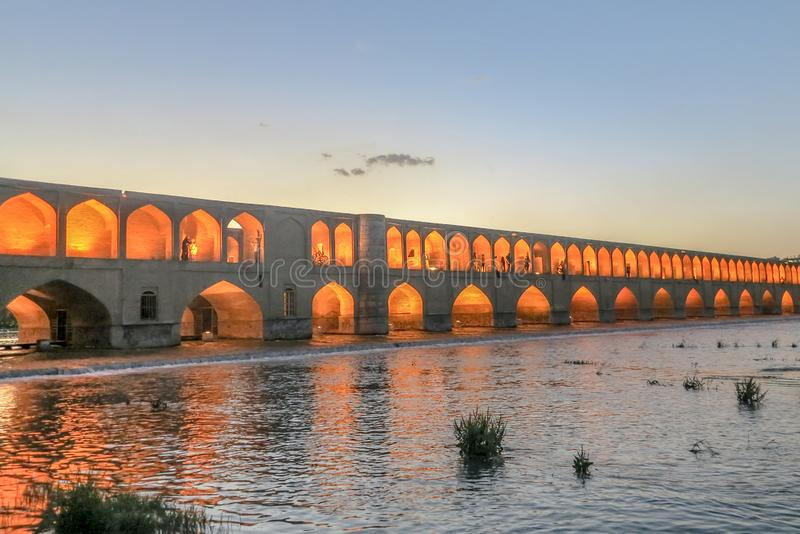 Bogen-Brücke 02 Isfahans 33 lizenzfreies stockbild