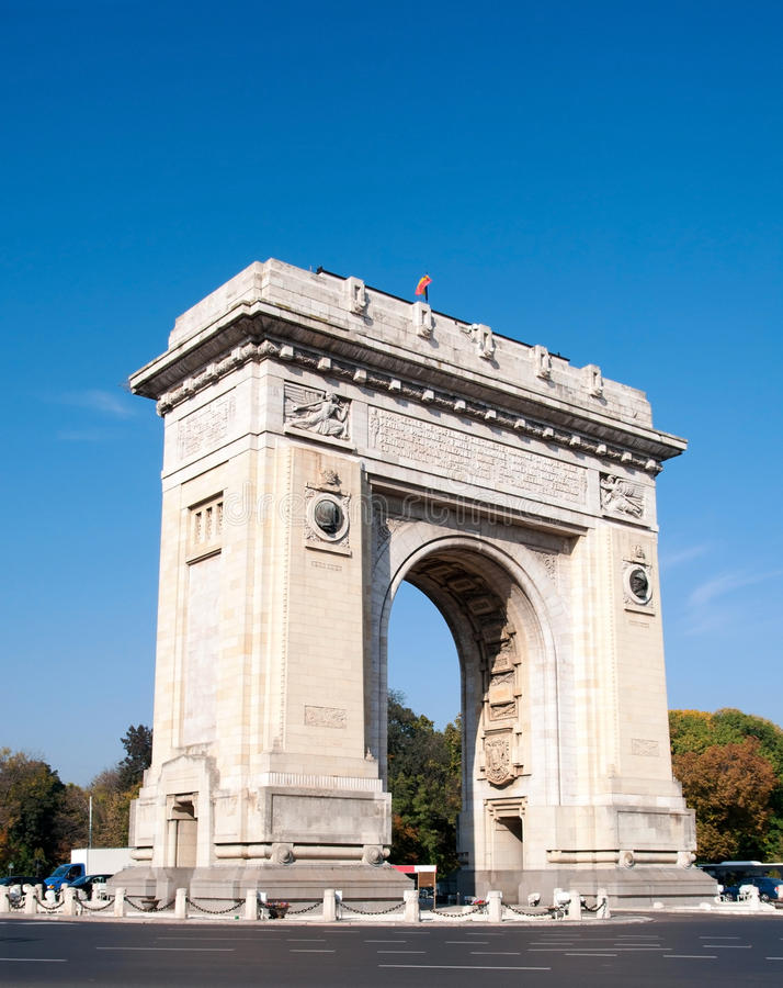 Bogen des Triumphes, Bucharest, Rumänien stockbilder