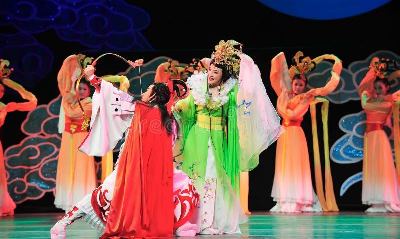 Bogen Hou Yi, der den Mantel Sonnenjiangxis OperaBlue schießt stockfotos