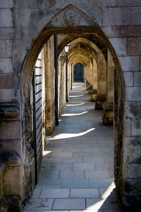 Bogen von Winchester-Kathedrale stockfotos