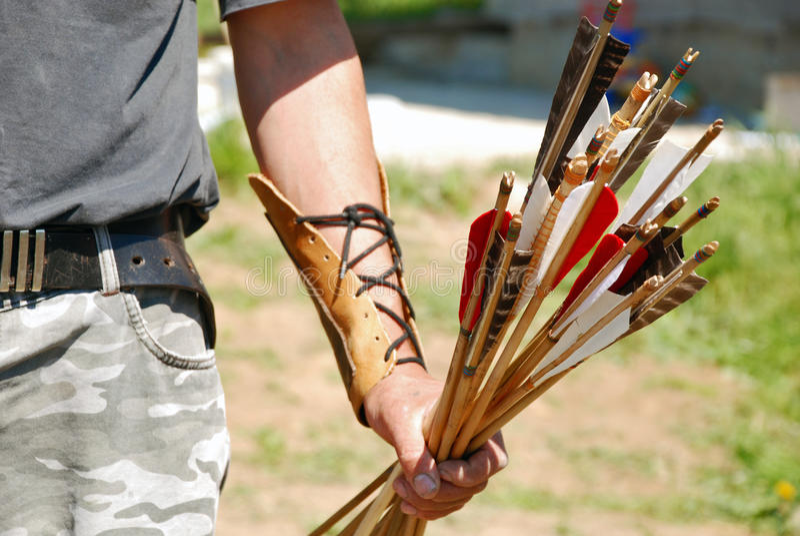 Bogenschütze und Pfeile stockbilder