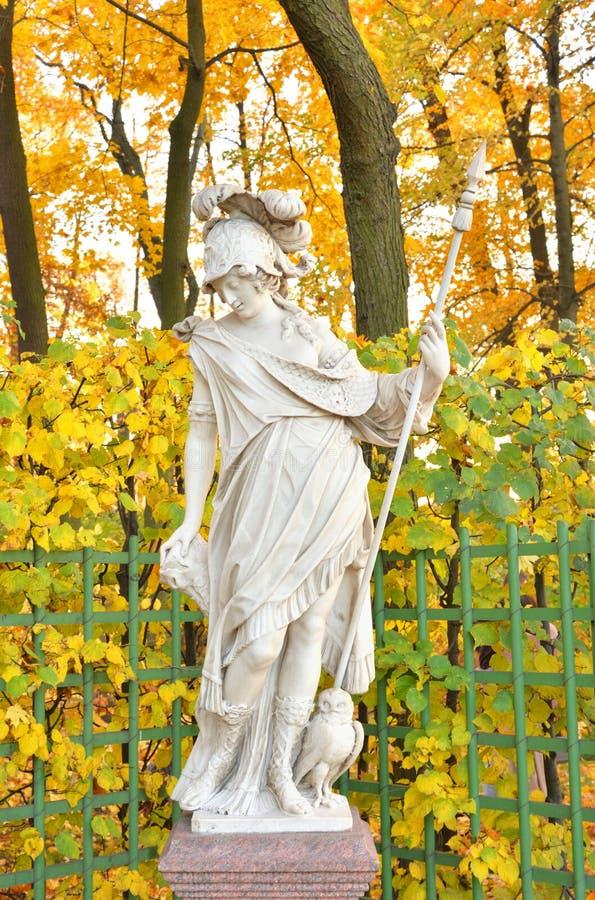 Bogini Minerva statua przy wieczór obraz royalty free