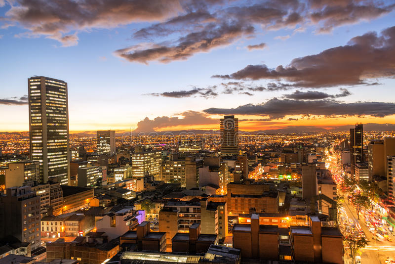 Bogotá, Colômbia no crepúsculo fotografia de stock royalty free