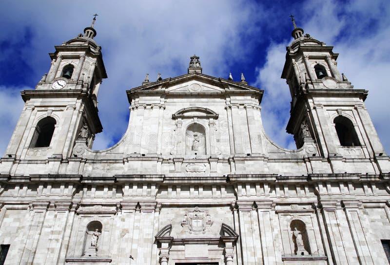BOGOTA COLOMBIA, JUNI 28, 2019: Detalj av Romanens Catholic Archbishops slott i Bogota arkivbilder
