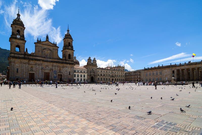 BOGOTA COLOMBIA - 07 OKTOBER 2010: Den nationella Kapitolium placeras i Plaza de Bolivar en historisk fyrkant i hjärtan av Bogota royaltyfri bild