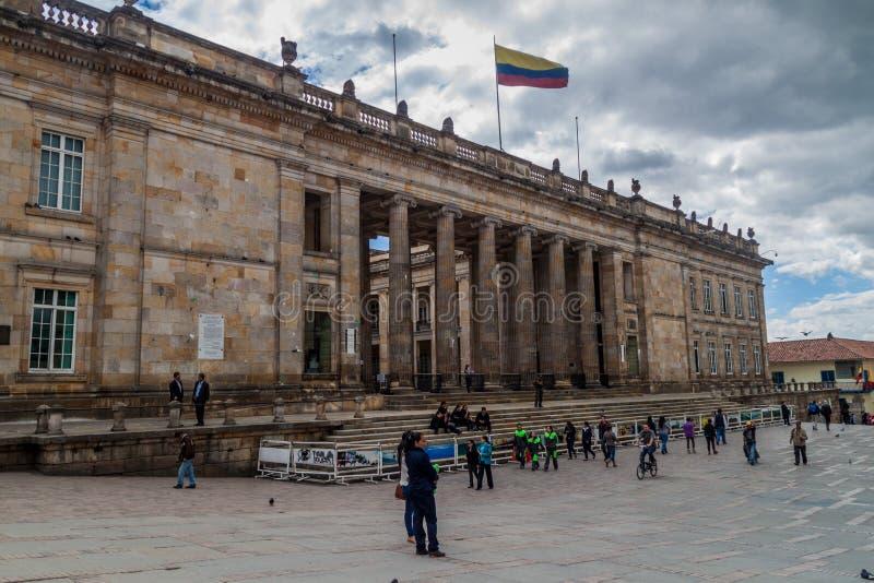 BOGOTA COLOMBIA - SEPTEMBER 24, 2015: Nationell Kapitolium på den Bolivar fyrkanten i mitten av Bogo royaltyfria foton