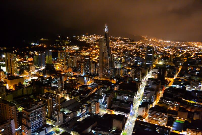 Bogota huvudstad av Colombia på natten royaltyfri bild