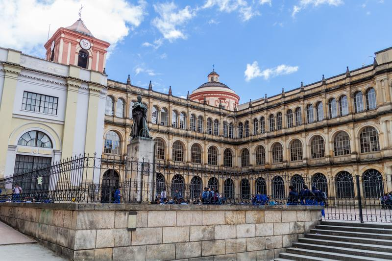 BOGOTA, KOLUMBIEN - 24. SEPTEMBER 2015: College von St. Bartholomew Colegio Mayor de San Bartolome im Stadtzentrum von Bogot stockbilder